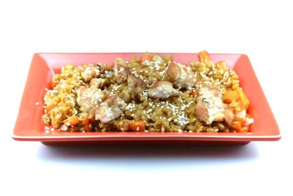 Рис с омлетом и угрем