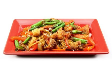Удон с овощами в соусе терияки